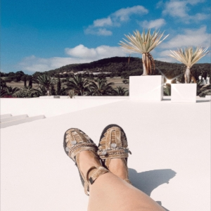 ☀️♻️SLOW LIFE & FRIDA ESPADRILLES 🤩✨🤎#ibiza our #upcycled marine plastic espadrilles are just a dream that became true!!!  🐬💦🐠♻️#conciousfashion #protect #preserve #inspire ☀️Emonk Ibiza it's a lifestyle ✌🏻💗 . . ✨🛍NOW WITH SPECIAL DISCOUNTS ✨🛍