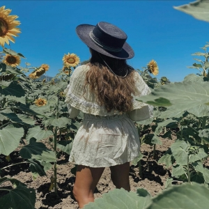 Darling, you are different #unique @paula.loves like our ISLA HATS 🤍✨  . . #hats #hoed #bohemian #love #ibiza #hippiechic #style #ibizastyle