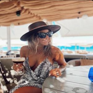 Just a regular Saturday #ibiza in our unique Isla hat ✌🏻😎💓 #ibizastyle #sun #love #fun #goodvibes