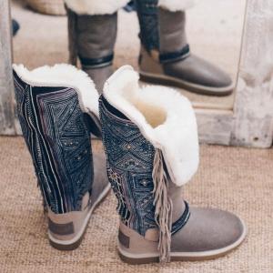 ✨💓INUIT BOOTS 💓✨#handmade #oneofakind  🎊 SALES 🛍 REBAJAS 🎉 Now online!!!! . #apreski #snow #inuit #boots #zermatt #aspen #mammoth #montblanc